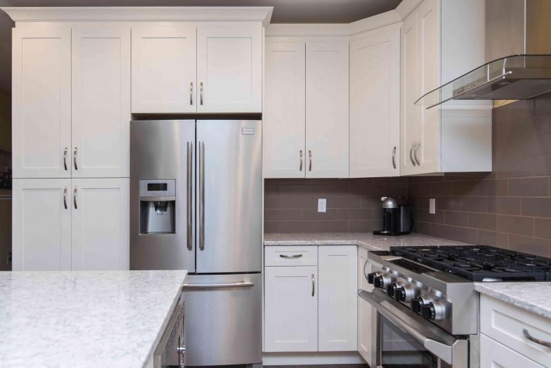 Haushaltsgeräte Herstellergarantie vs. separate Elektronikversicherung: Küche mit Küchengeräten